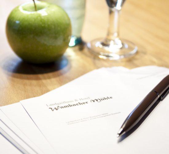 Wambacher-Muehle-Briefpapier-apfel