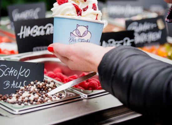Wambacher-Muehle-Frozen-Joghurt-Selbstbedienung